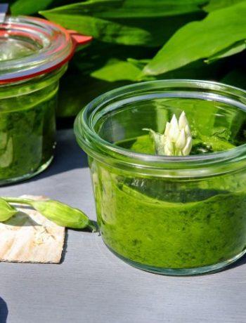 Salsa verde: Grüne Petersilien-Soße mit Kapern und Sardellen