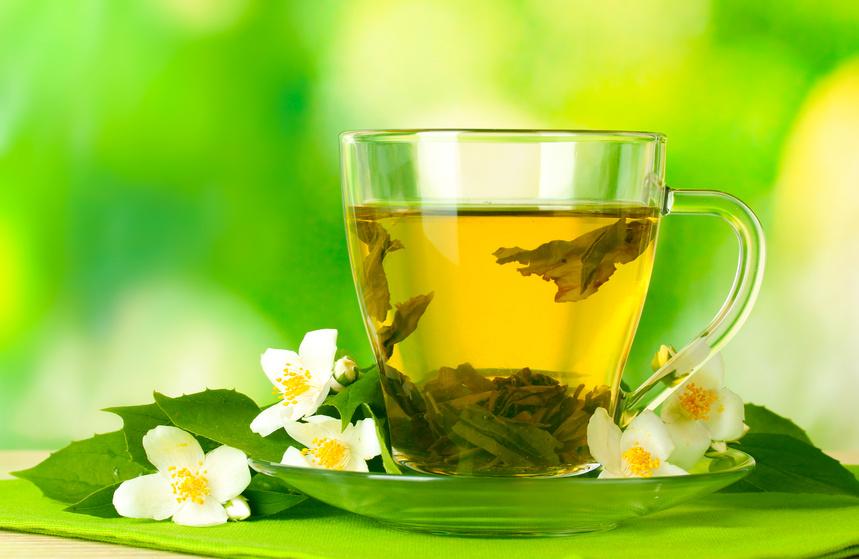 Tee mit Blüten
