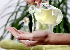 Johanniskrautöl - ein vielseitiger Helfer gegen allerlei Beschwerden