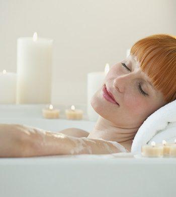 Die Wanne ist voll: 5 Heilkräuter für die Badewanne