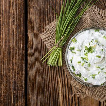 Kräuter mal lecker: Kräuterquark-Rezept mit Pellkartoffel