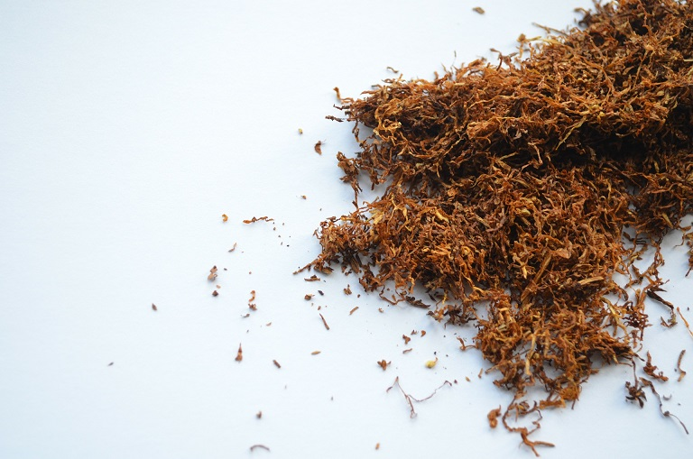 nikotinfreien tabak aus kr utern herstellen kraeuterallerlei. Black Bedroom Furniture Sets. Home Design Ideas