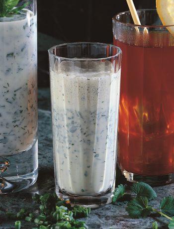 Kräuter-Lassi – so trinkt ihr euch gesund und fit