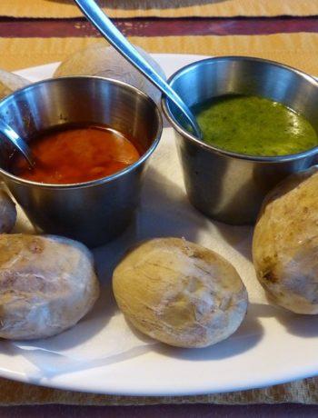 Kanarische Küchen-Klassiker: Mojo verde, Mojo rojo und Papas arrugadas